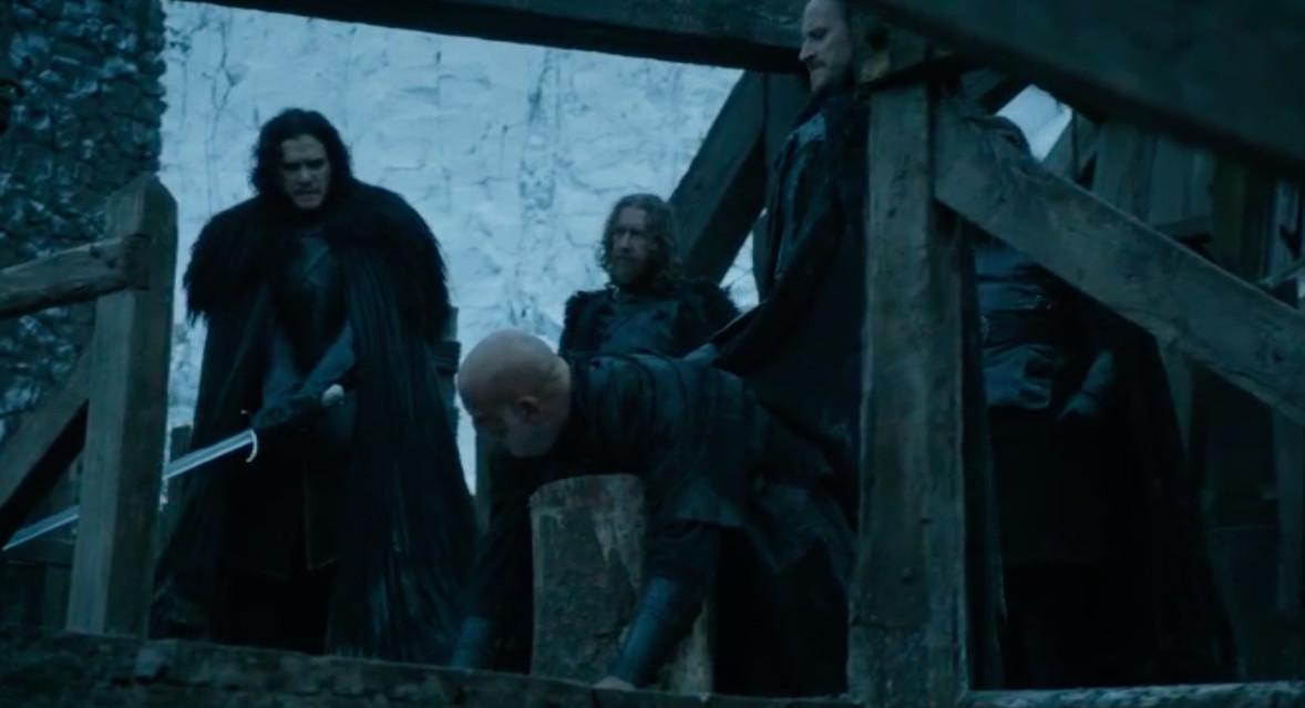 Jon Snow beheads Janos Slynt
