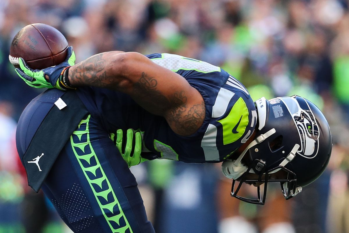 Seattle Seahawks Field Gulls >> Five Questions With Field Gulls Emergence Of Frank Clark And