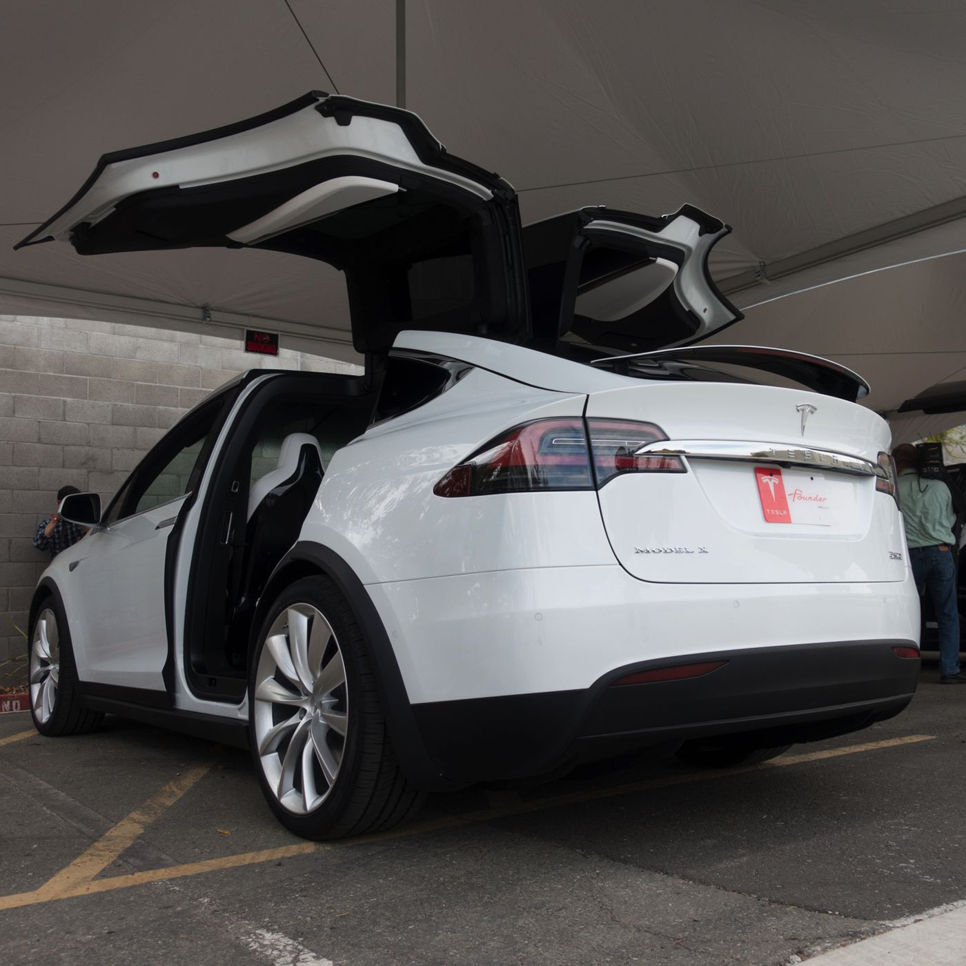 Tesla S Model X Is Finally Here And I Got To Drive It The Verge