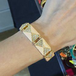 Elastic bracelet, $10