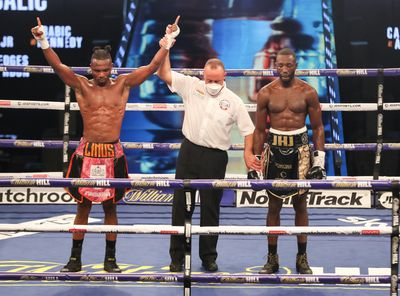 EjgbfsmXgAECpPP - Buatsi rallies, stops Calic in seventh round; Cameron wins first title