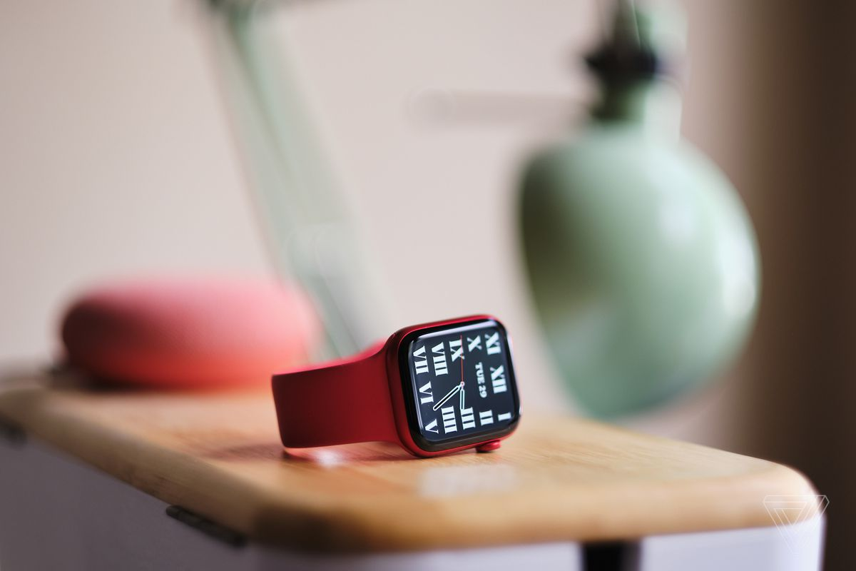 Apple Watch Series 6, dalam Product Red