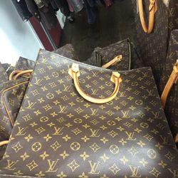 Louis Vuitton Sac Plat, $725