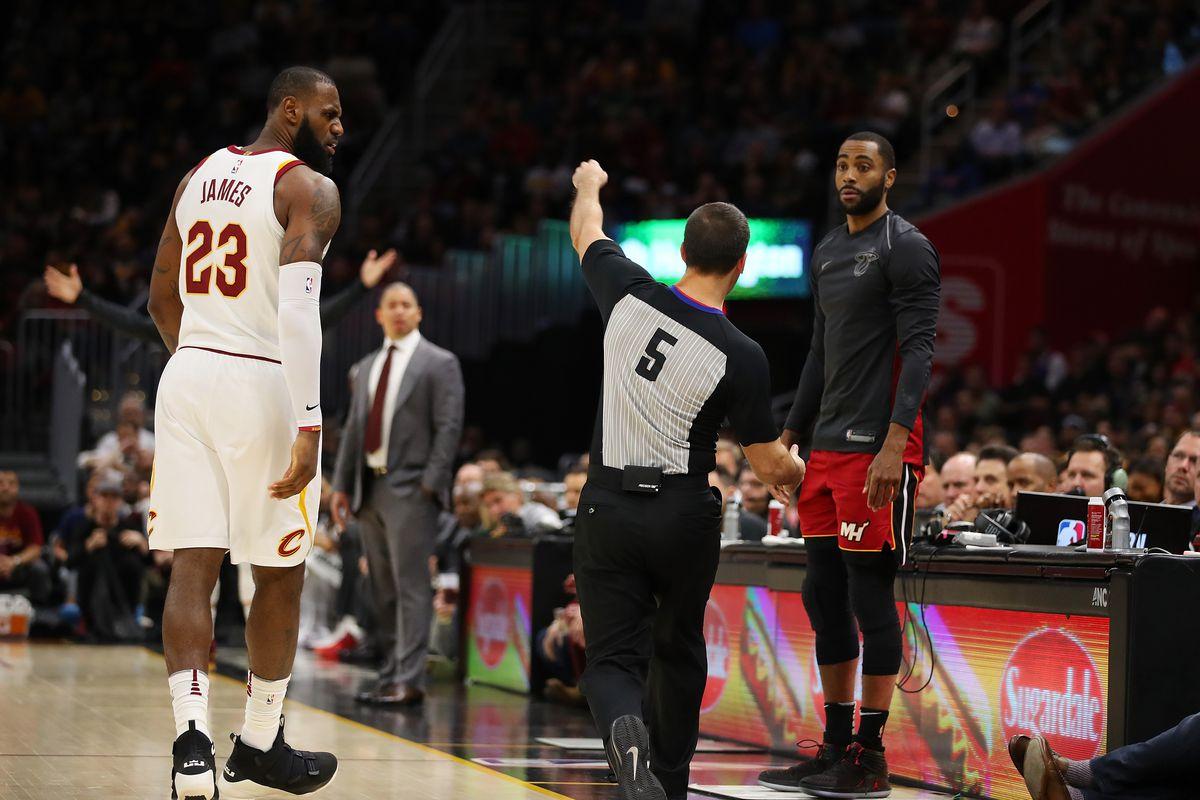 LeBron James guarded Dennis Schroder, Hawks with lovely mind