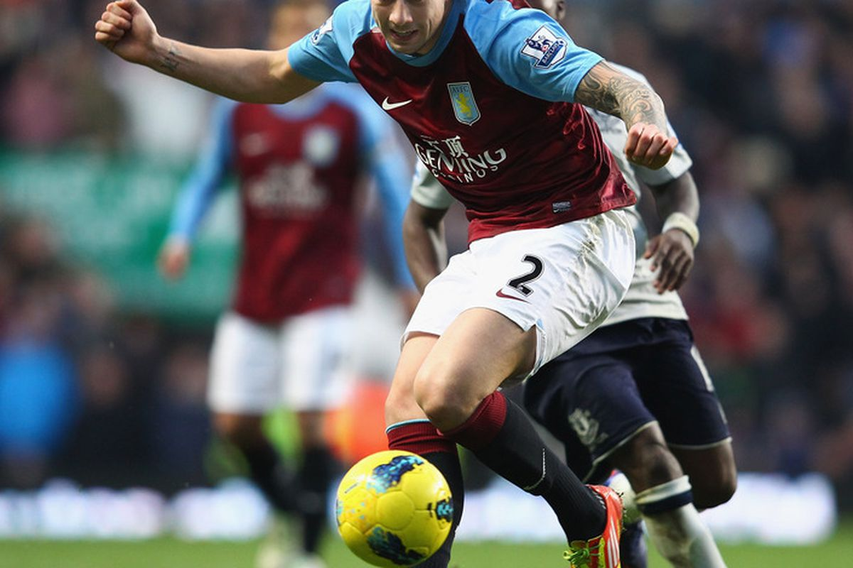 BIRMINGHAM, ENGLAND - JANUARY 14:  Alan Hutton of Aston Villa in action during the Barclays Premier League match between Aston Villa and Everton at Villa Park on January 14, 2012 in Birmingham, England.  (Photo by Clive Mason/Getty Images)