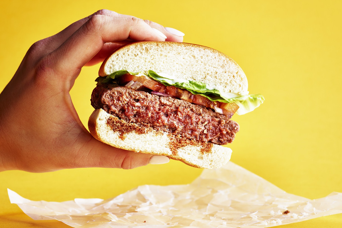 Byron Burger receives a 10 million pound investment in its high street burger chain restaurants