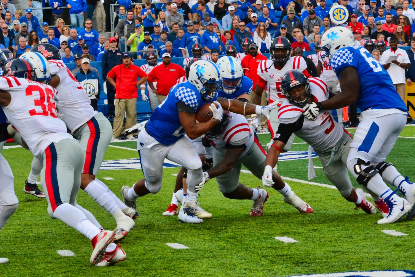 Kentucky Football Vs Ole Miss Rebels 2020 Game Time Tv Channel Live Online Stream Odds Replay More A Sea Of Blue