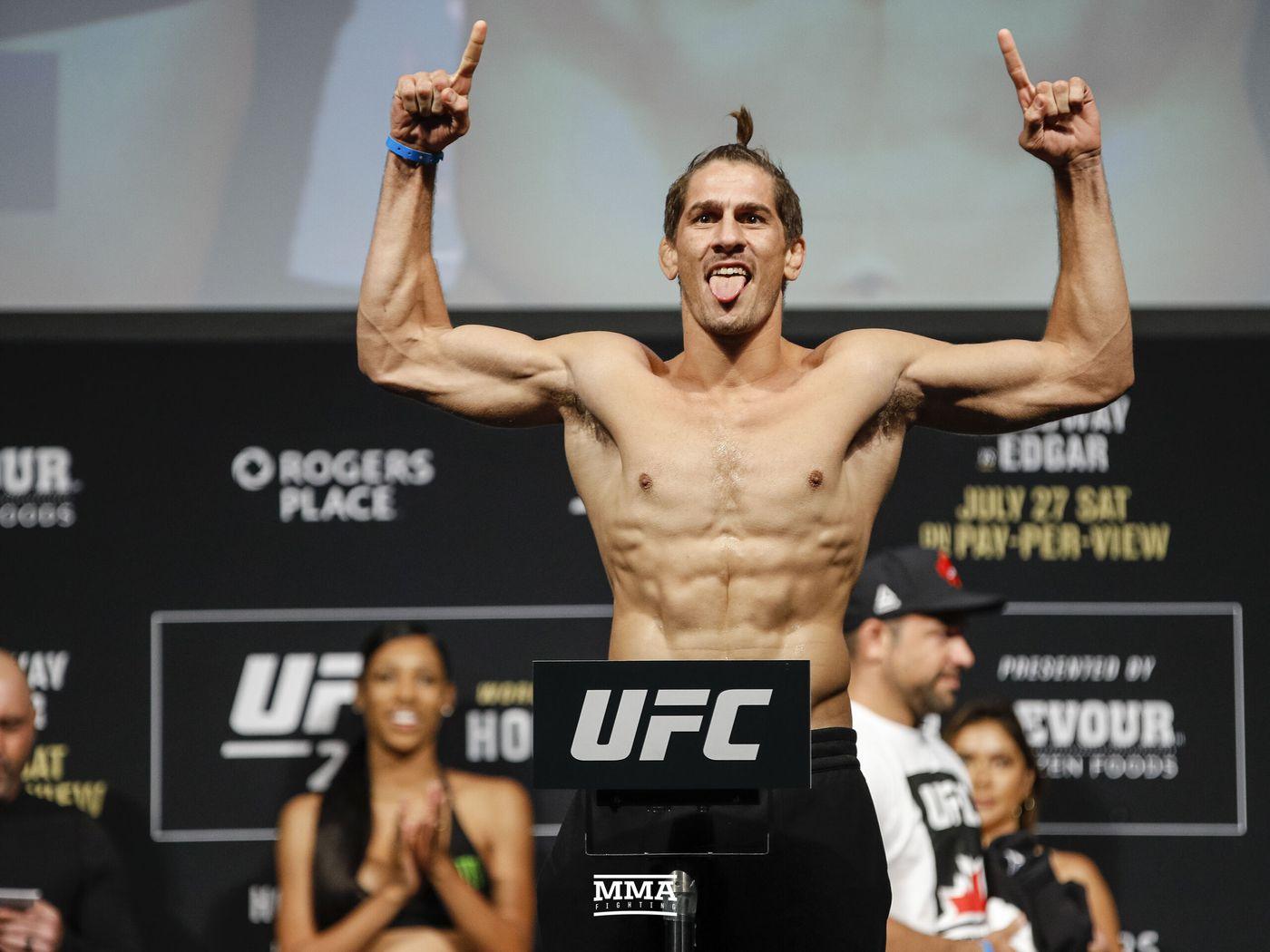 ligeramente Papá alivio  Niko Price announces new 4-fight UFC deal - MMA Fighting