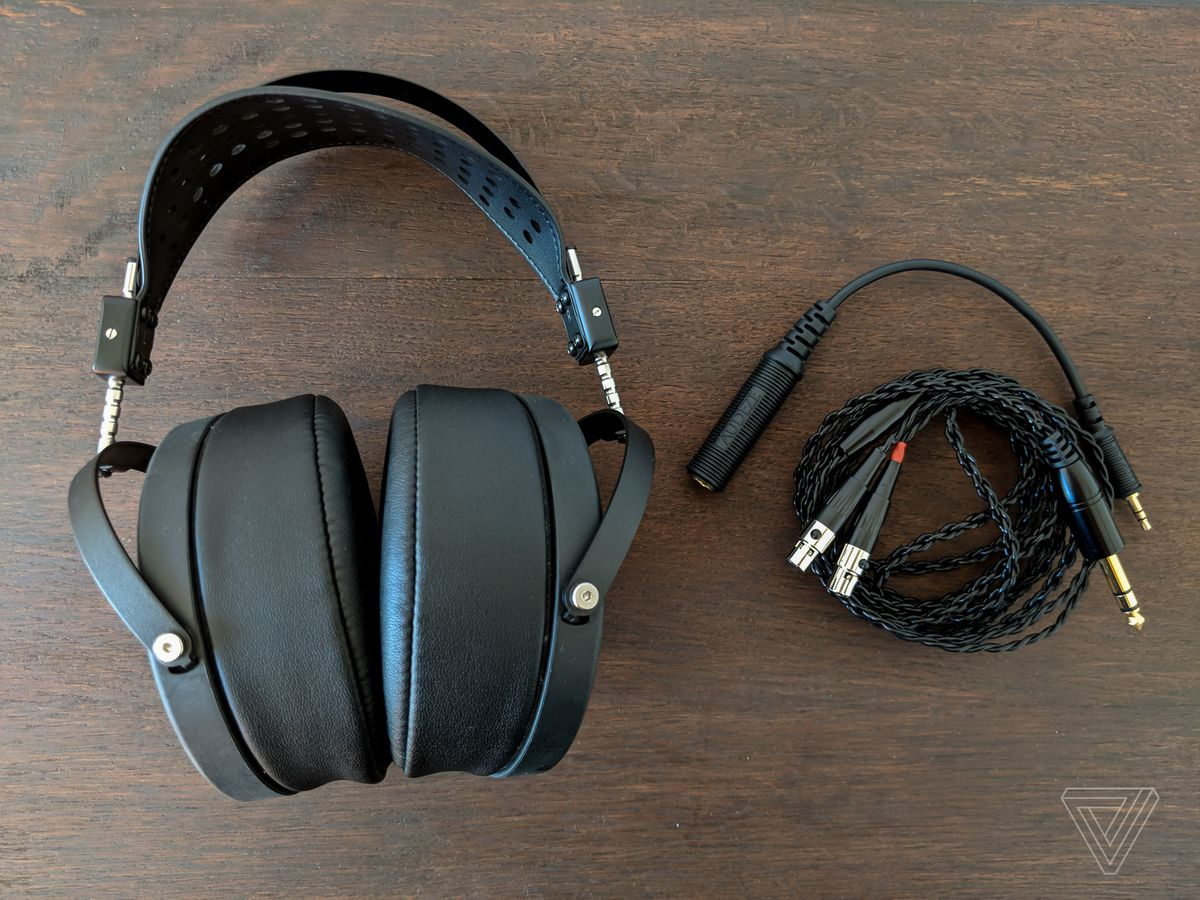 a7591887d2e Audeze uses a consistent cable connector across its LCD line, which is a  nice ecosystem advantage. I, for example, have been using the LCD2 Classics  with ...