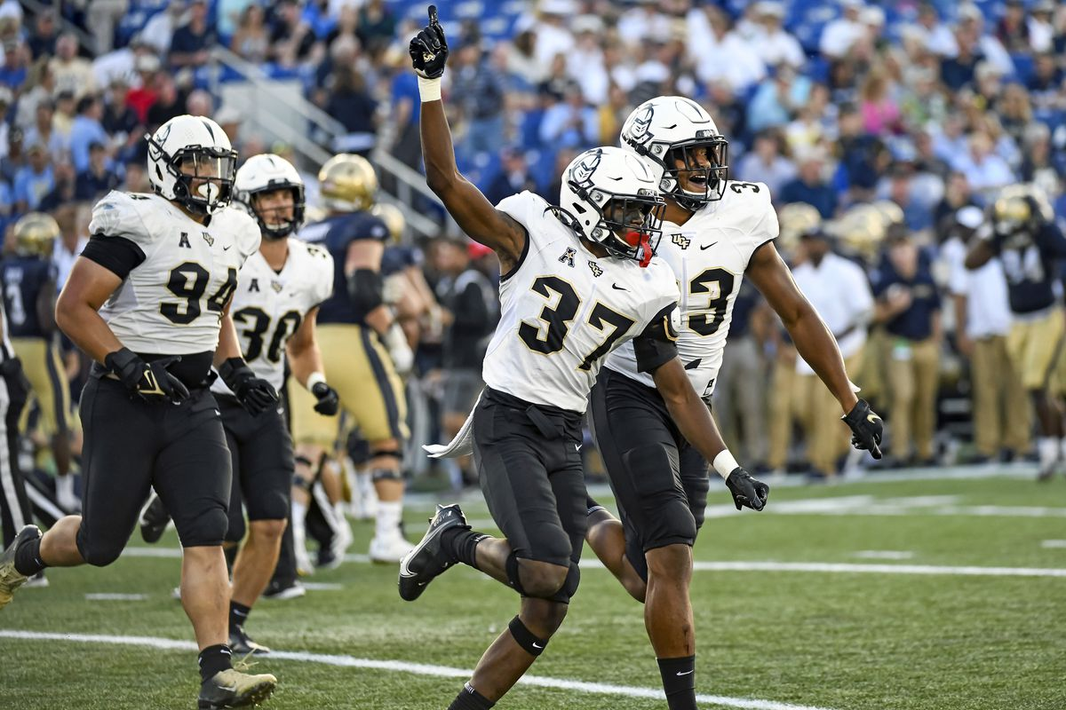 COLLEGE FOOTBALL: OCT 02 UCF at Navy