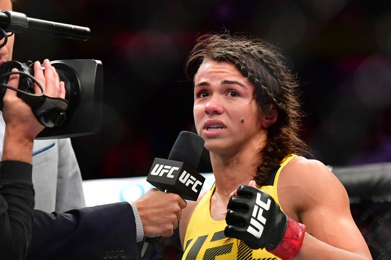 Claudia Gadelha says she's the 'only strawweight' that can beat Joanna Jedrzejczyk