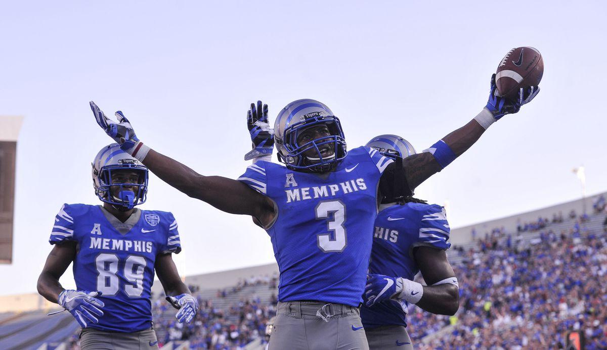 NCAA Football: Navy at Memphis