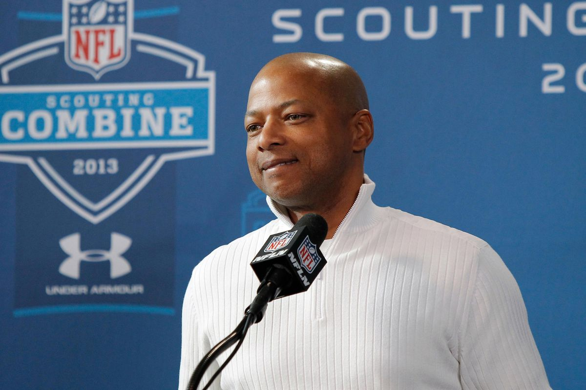 Giants' GM Jerry Reese has a $123 million salary cap to work with for 2013