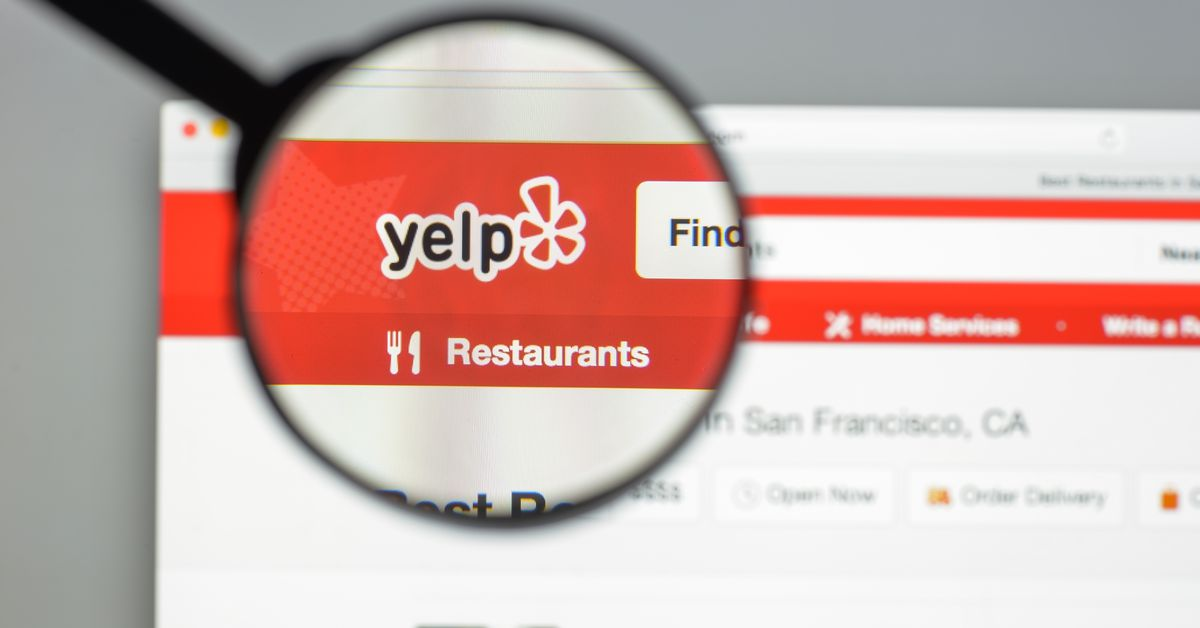 Yelp Publicly Shames Burger Chain for Buying Fake Reviews