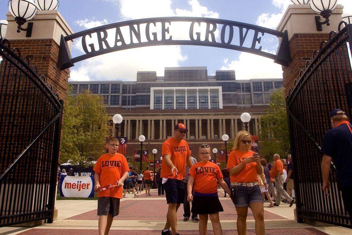 NCAA Football: Murray State at Illinois