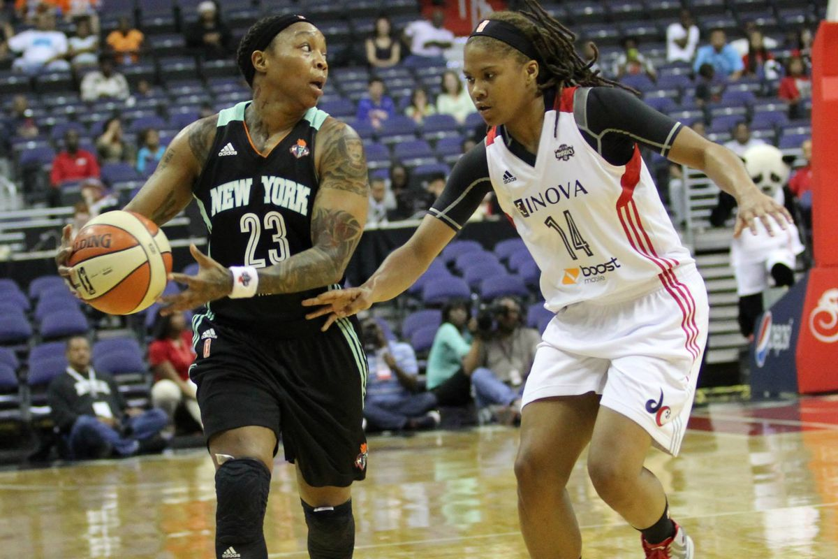 THREEEEE POINTAAAAAAAAA, CAPPIEEEE PONNNNNN-DEXT-ERRRR!!!!!! But seriously, Pondexter was money during the Liberty's big win against the Mystics. Sorry we don't have a pic from today's game.