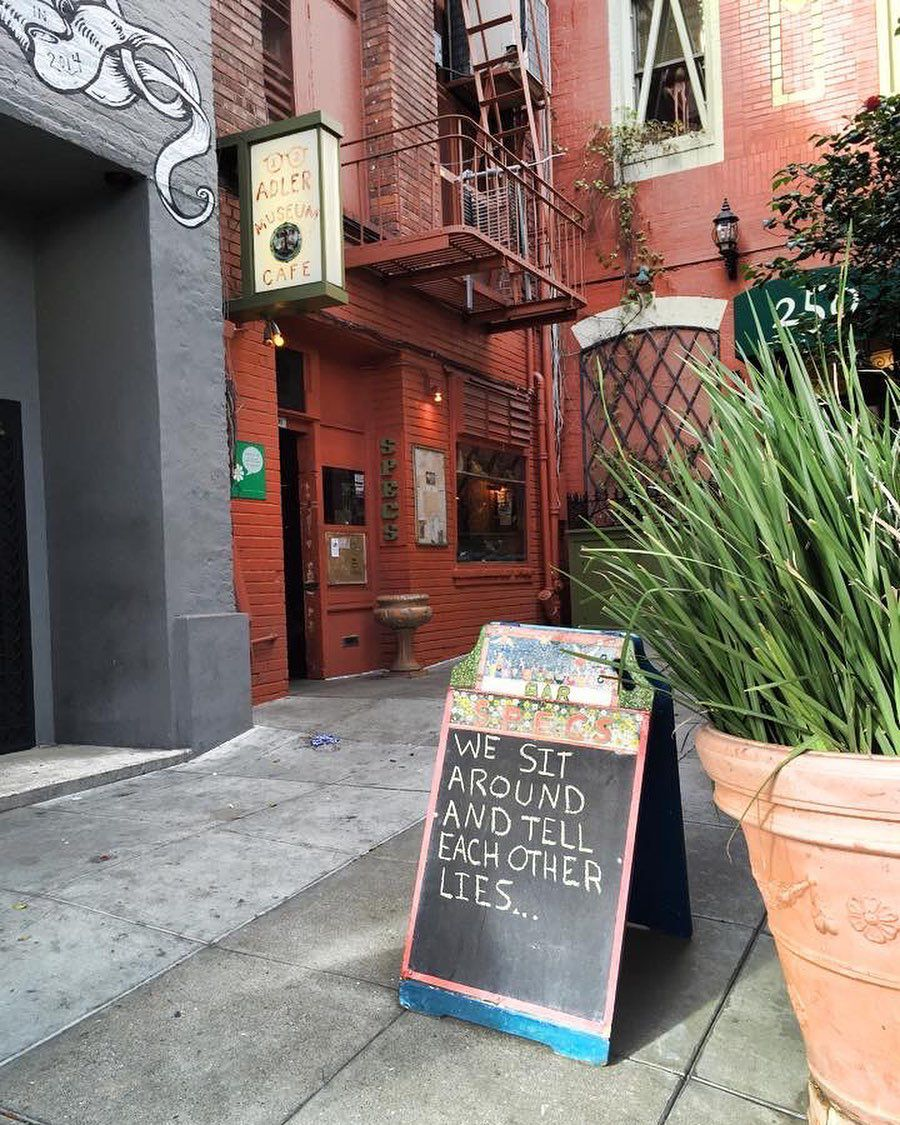 The alley to Specs' Bar