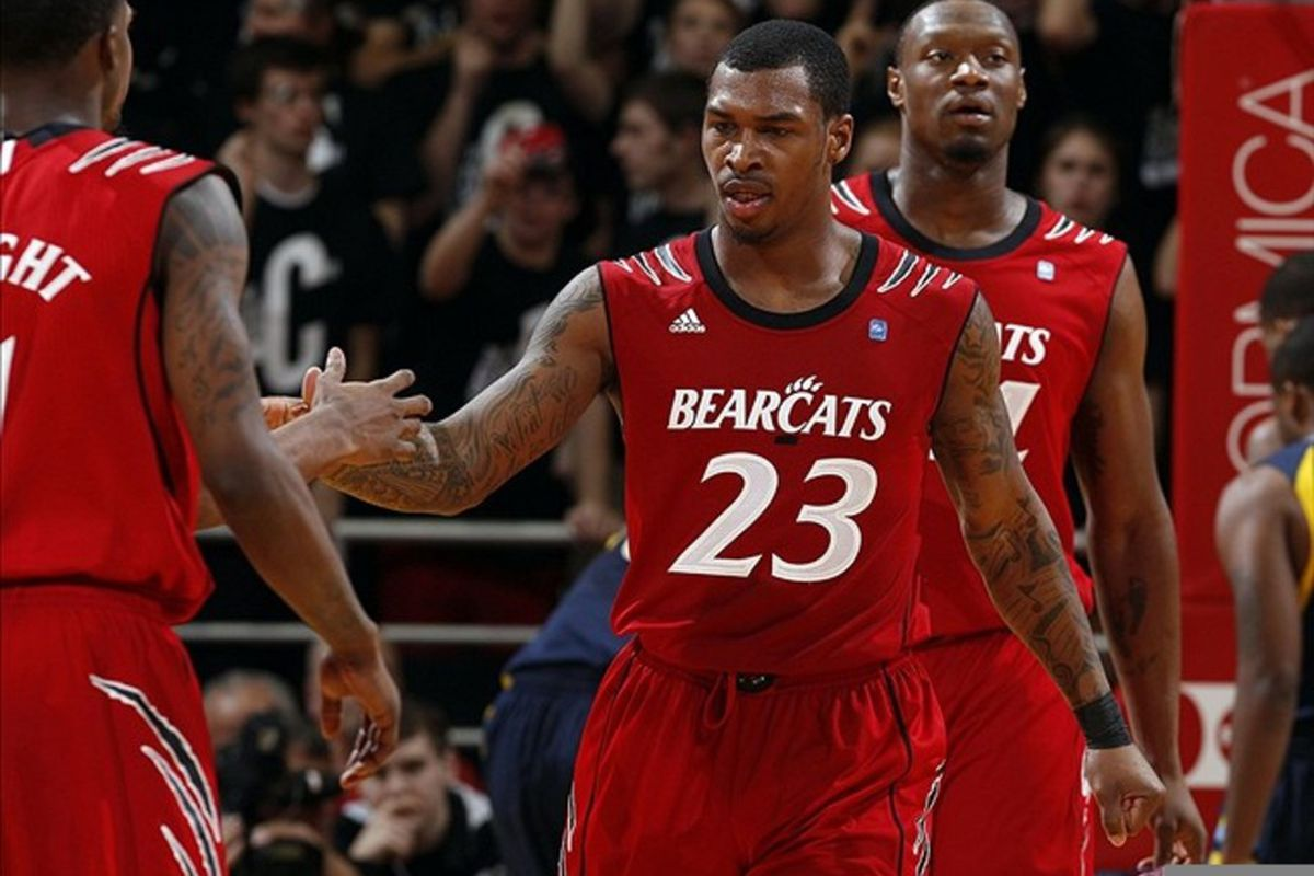 newest d18bf df942 Fashion Break | Cincinnati Bearcats Wearing New Uniforms for ...