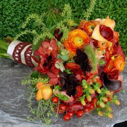 """<a href=""""http://www.fleursbella.com/"""">Fleurs Bella, Greenwhich Village:</a> Founded by the granddaughter of Marc Chagall, this studio often integrates greenery, seeds, and fruits to give its otherwise classic arrangements a natural twist. These may not be"""