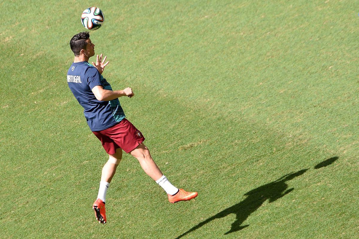 81a31cc662b4 Cristiano Ronaldo trains in custom Nike Mercurial Superfly IV boots ...