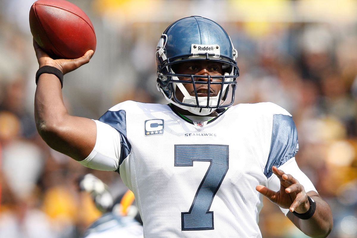 PITTSBURGH - SEPTEMBER 18:  Tavaris Jackson #7 of the Seattle Seahawks drops back to pass against of the Pittsburgh Steelers during the game on September 18, 2011 at Heinz Field in Pittsburgh, Pennsylvania.  (Photo by Jared Wickerham/Getty Images)