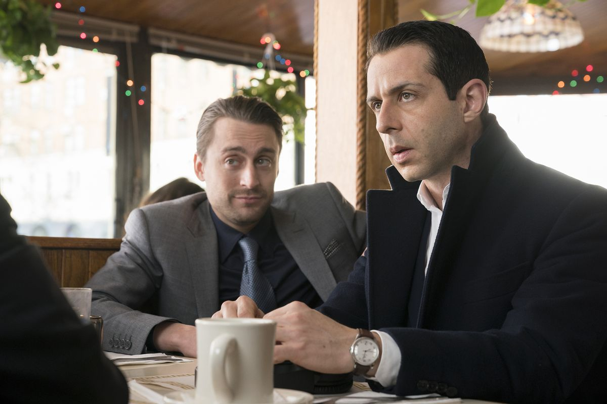 Succession 106 - Roman and Kendall at table in a restaurant