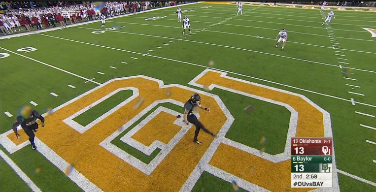 Minnesota and Baylor ran a trick play featuring the only