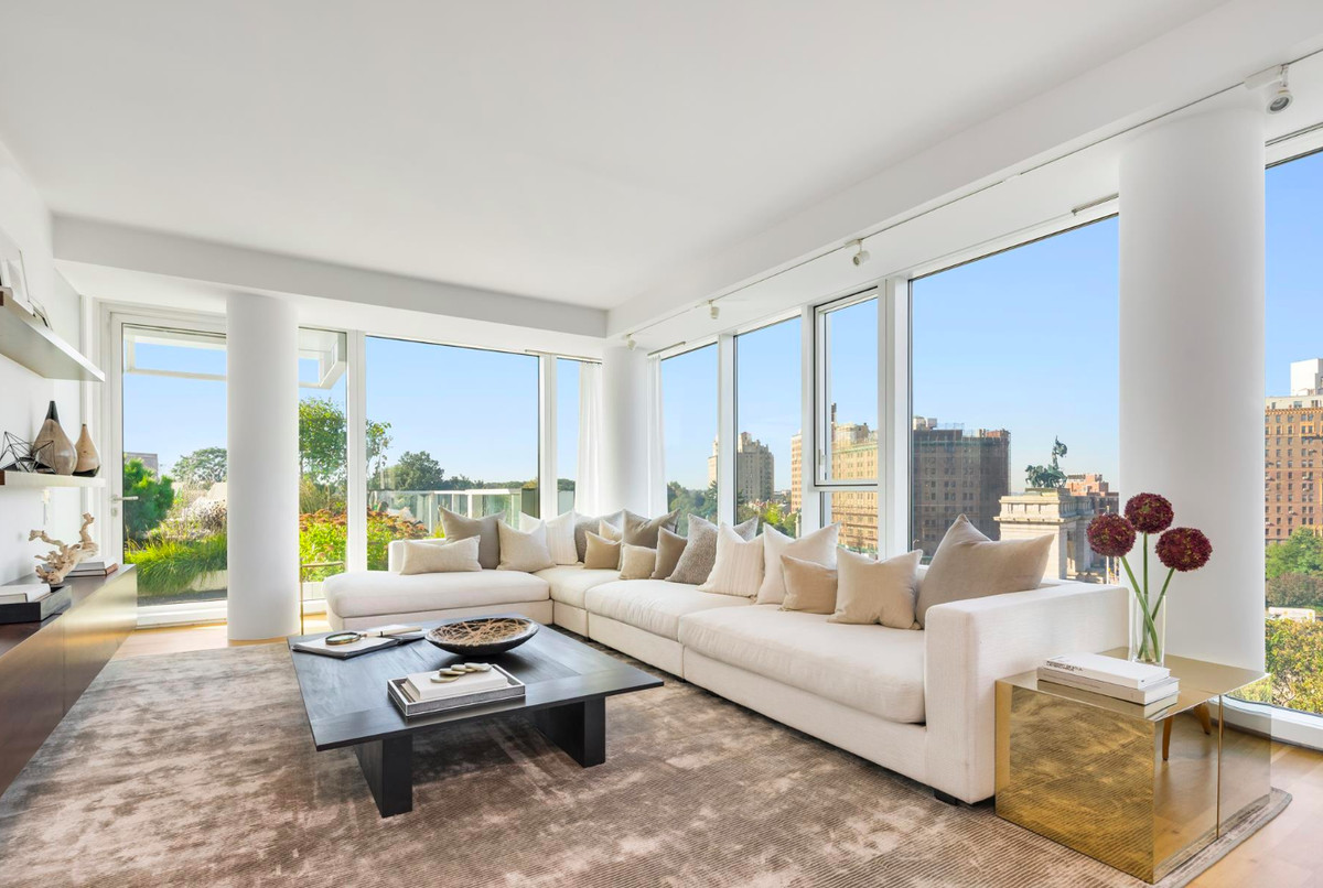 In Richard Meier\'s Prospect Heights condo, a spacious home with a ...