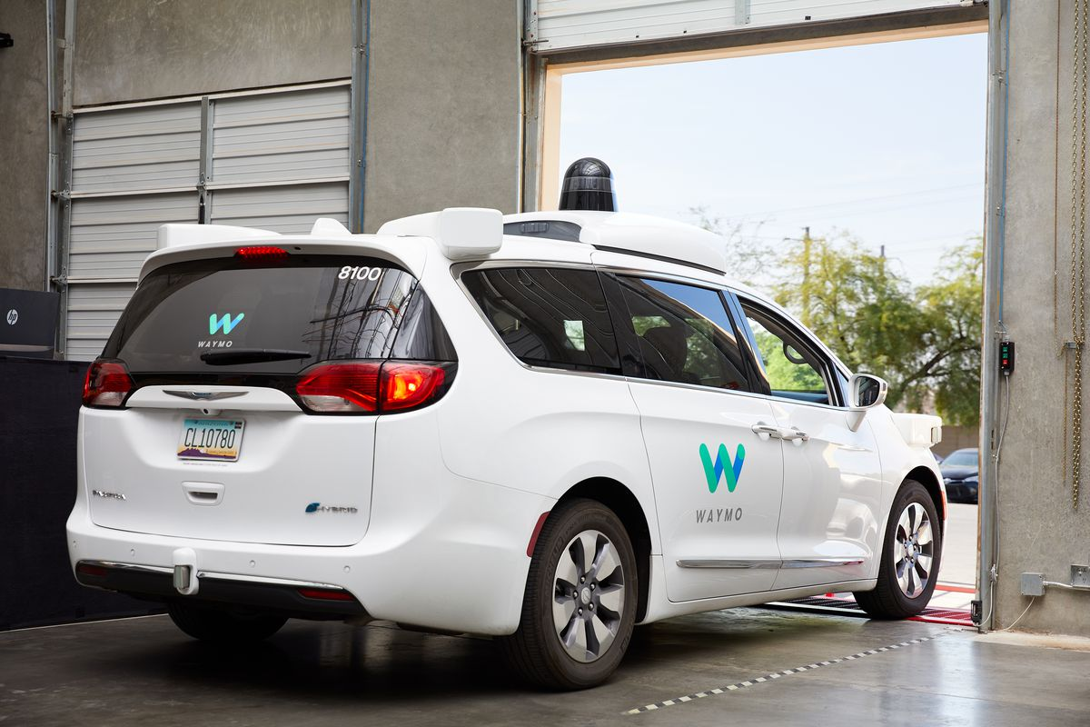 A day in the life of a Waymo self-driving taxi - The Verge