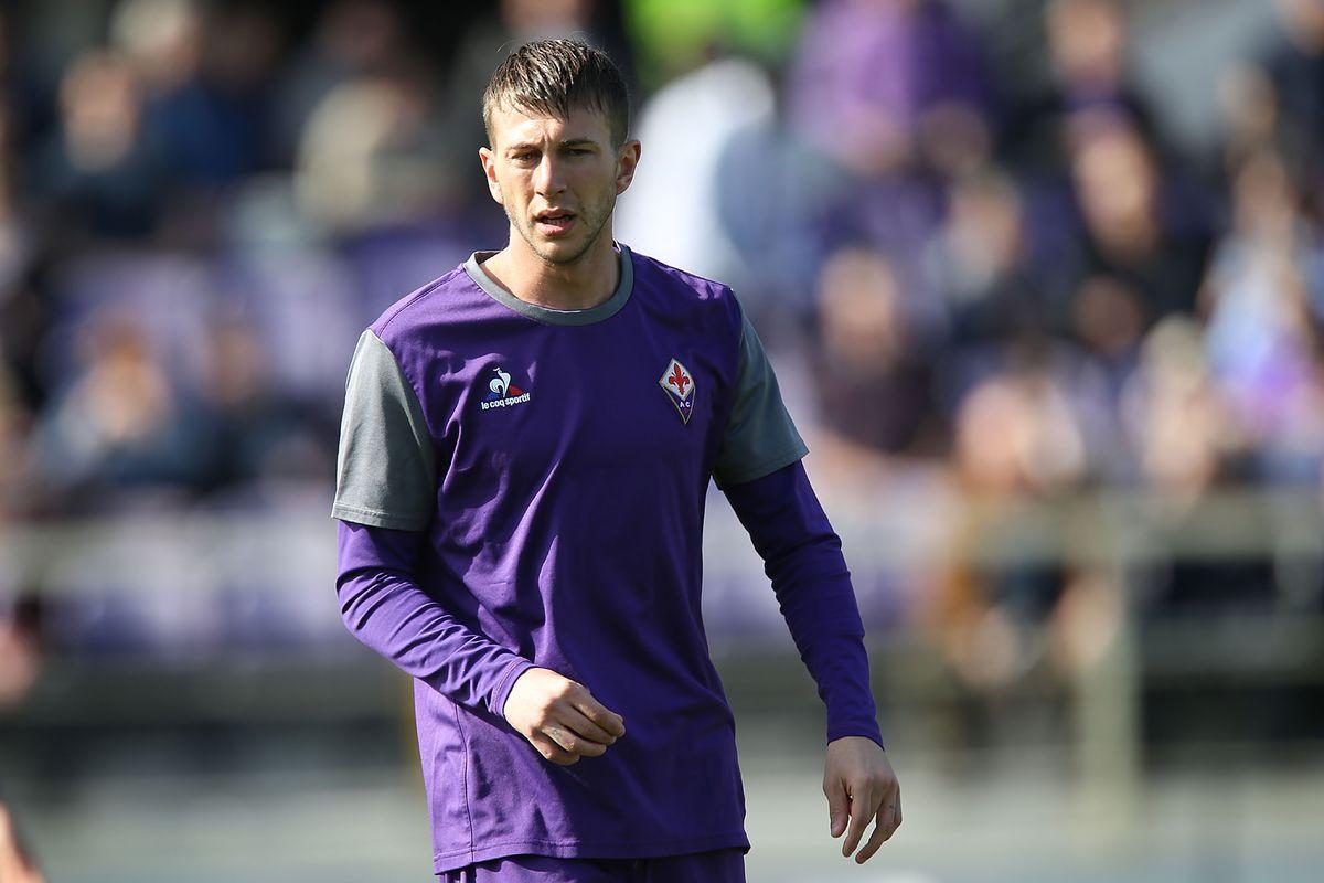 Don t bother Federico Bernardeschi with your dumb Juventus scarf