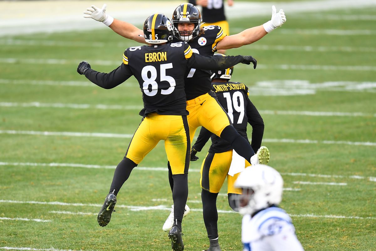 Tight end Eric Ebron #85 of the Pittsburgh Steelers celebrates with tight end Vance McDonald #89 after Ebron made a touchdown reception against the Indianapolis Colts in the fourth quarter of their game at Heinz Field on December 27, 2020 in Pittsburgh, Pennsylvania.