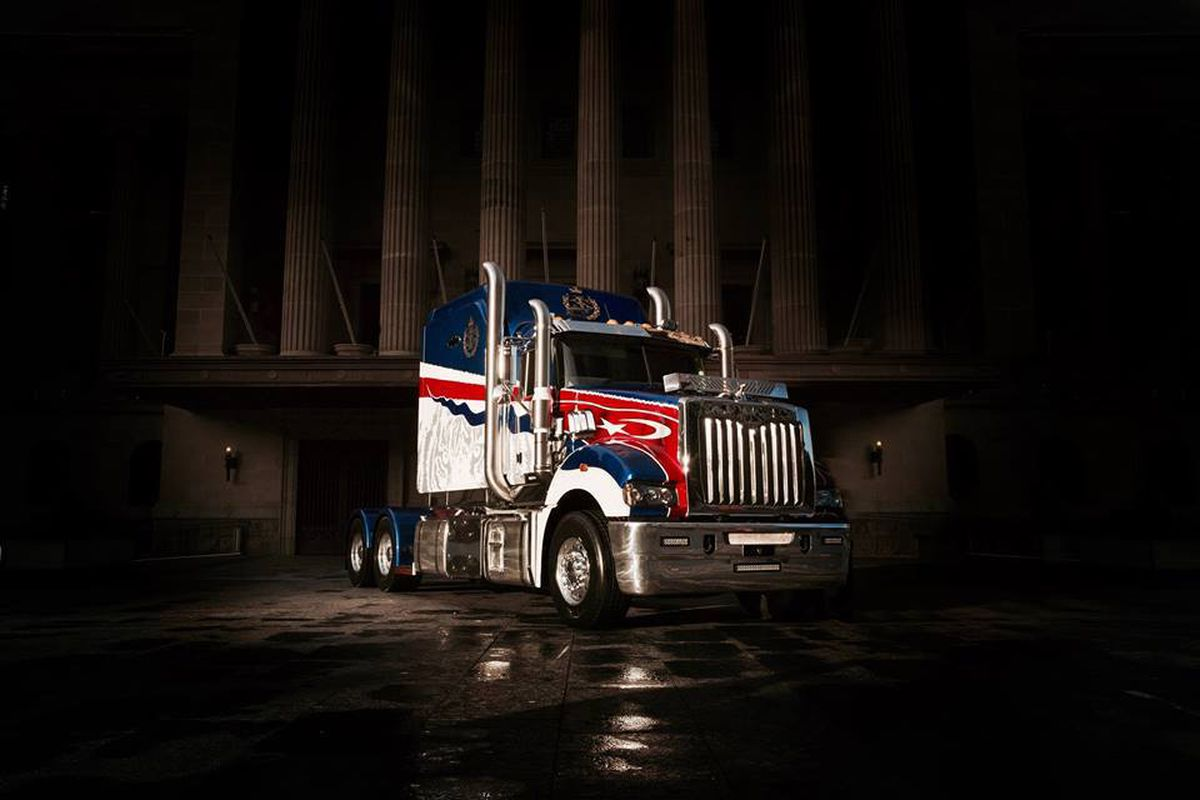 Why Are Trucks So Expensive >> Mack Built A Ridiculous Truck For A Sultan That S So