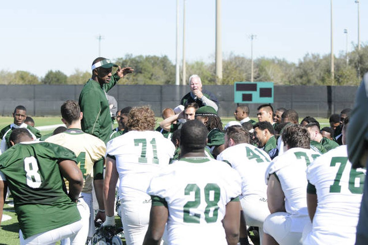 #28 Sta'fon McCray listening to Coach T, Photo by GoUSFBulls.com