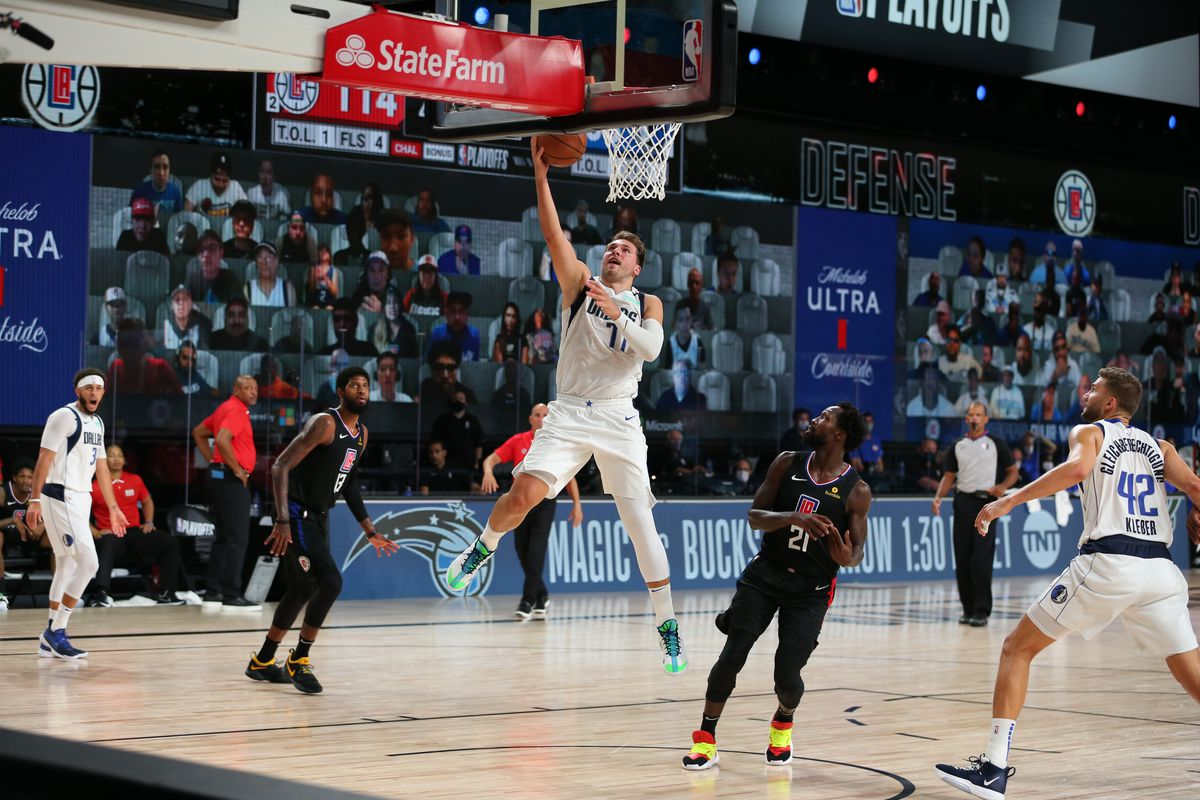 Dallas Mavericks v LA Clippers - Game One