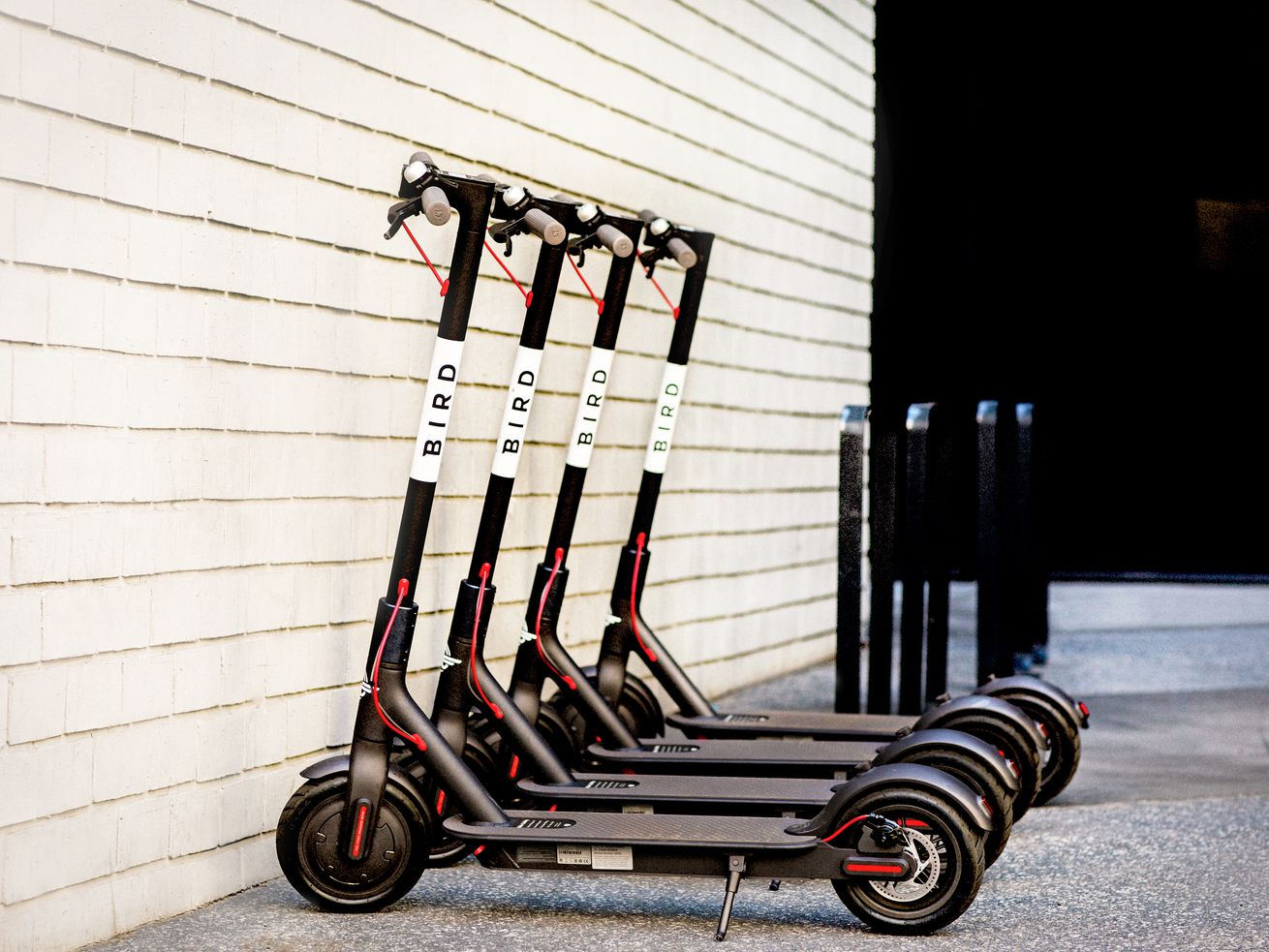 A proposed pilot program in Santa Monica would regulate the spread of dockless electric scooters.