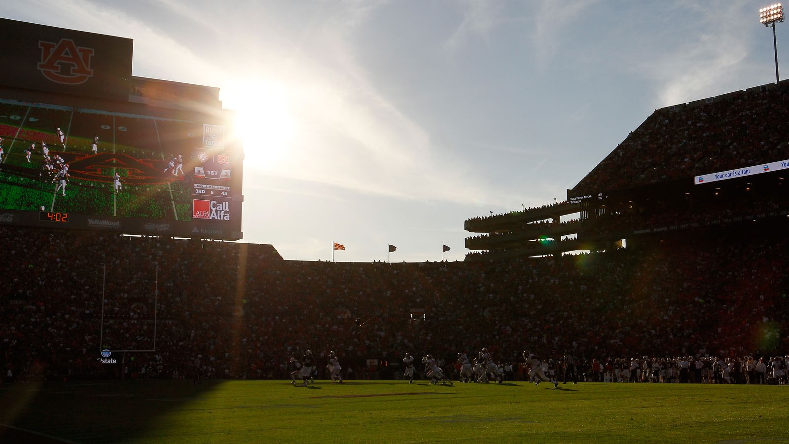 How To Watch College Football S Week 1 Tv Times Online