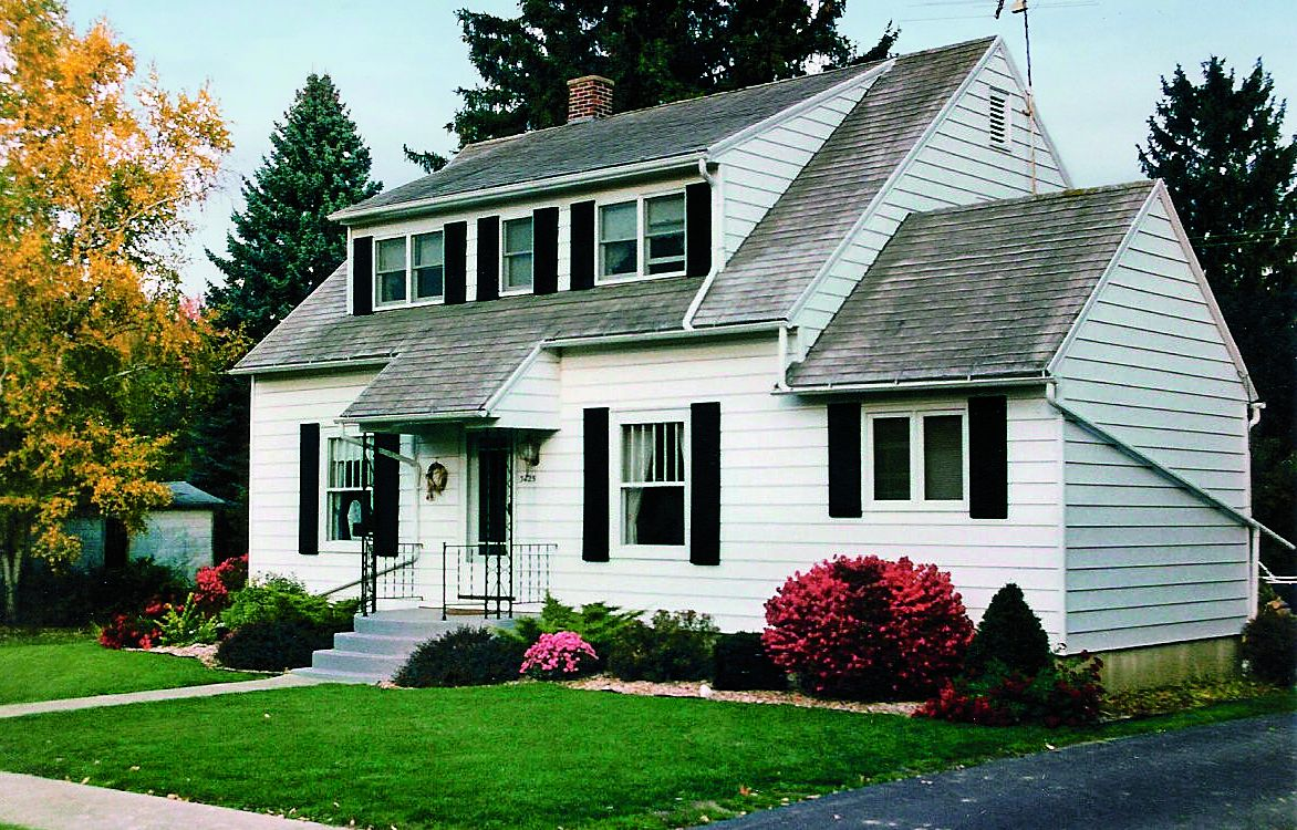 Curb Appeal Before: 1930s Colonial Revival in Kingston, Michigan
