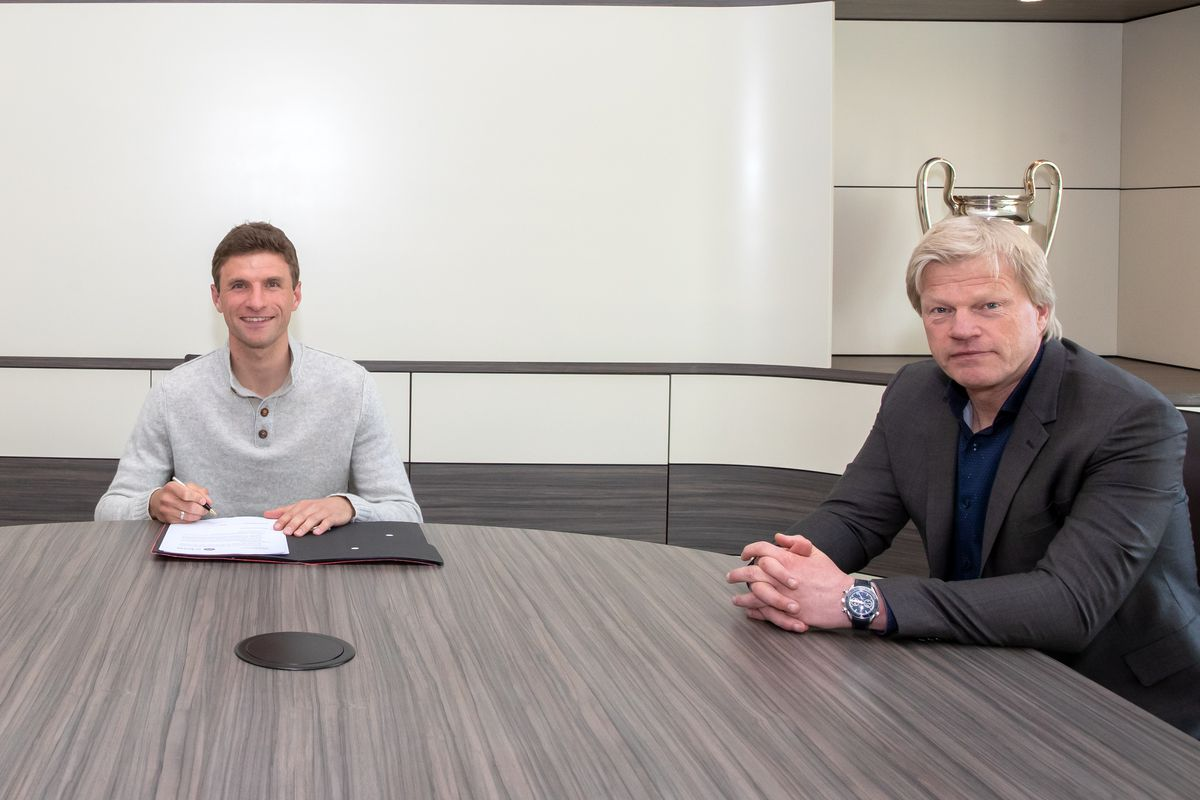 FC Bayern Muenchen Extends Contract With Thomas Mueller Until 2023