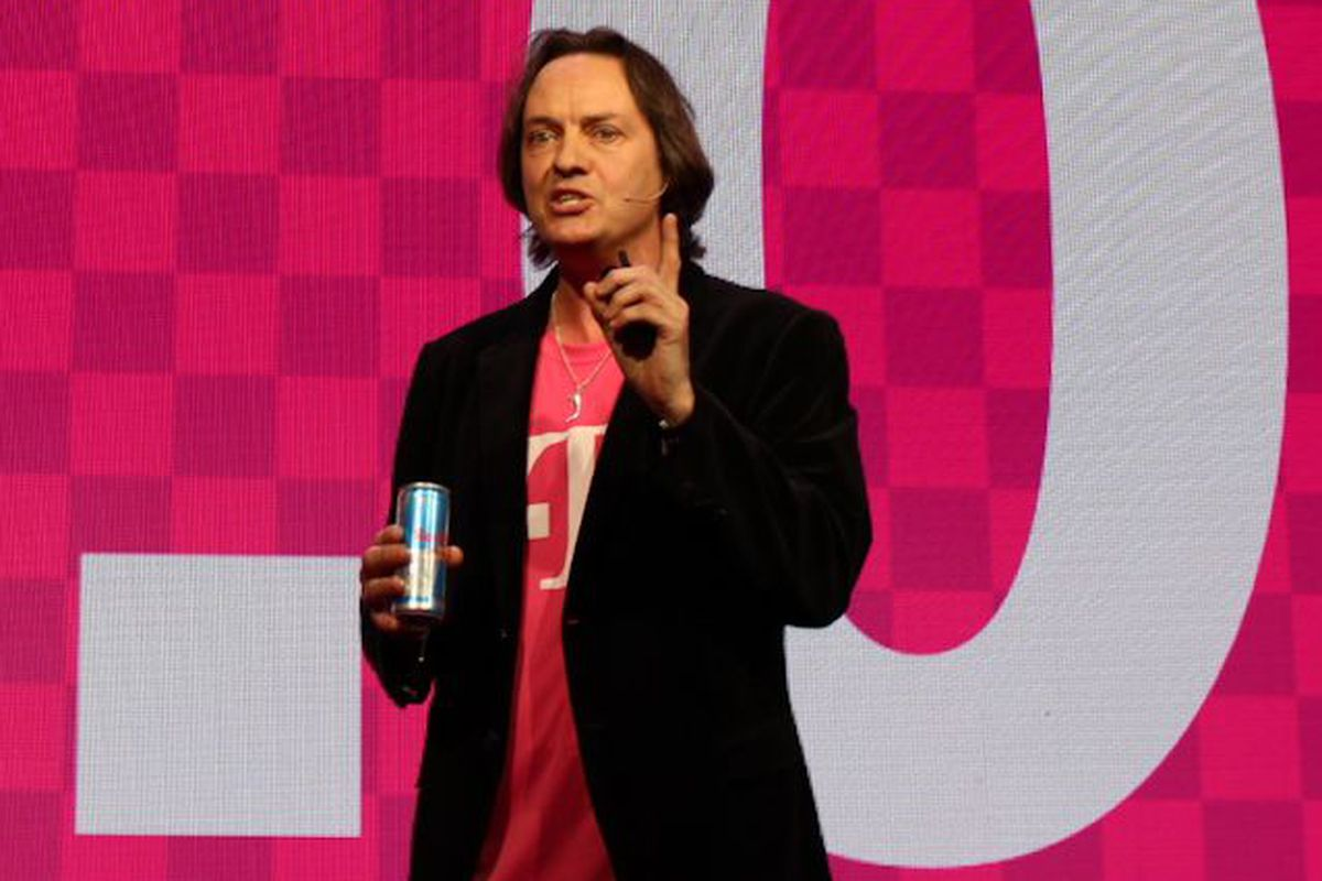 T-Mobile Doubles Down on Wi-Fi Calling, Partners With Gogo for In-Flight Texting