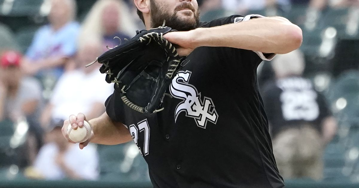 Lucas Giolito takes issue with 'classless' Twin Donaldson: 'He's a [bleeping] pest'