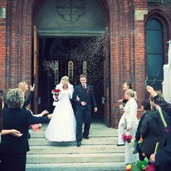 In a world where high-cost weddings have the attention of social media, news coverage, advertising and countless reality TV shows, is the media changing the face of weddings, or simply giving audiences what they want?