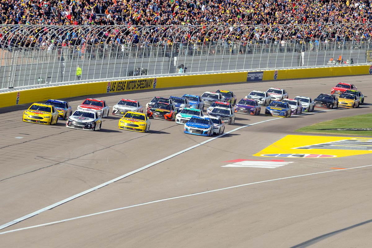 A general view of a restart of the field of cars during Monster Energy NASCAR Cup Series- Pennzoil race on March 4, 2018 at Las Vegas Motor Speedway in Las Vegas, NV.