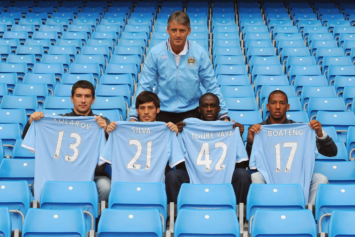 Roberto Mancini surveys his new signings ahead of the new season. (Picture from Getty Images)