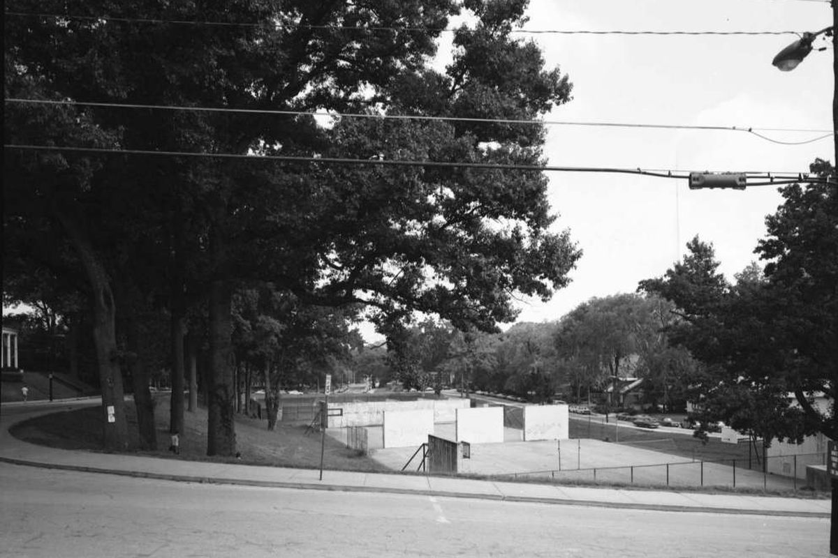 Peters Park in 1981 before construction of Peters Parking Deck.