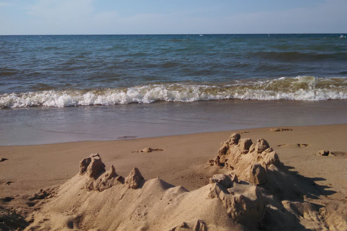 Steel plant apologizes for releasing cyanide into water near Indiana Dunes