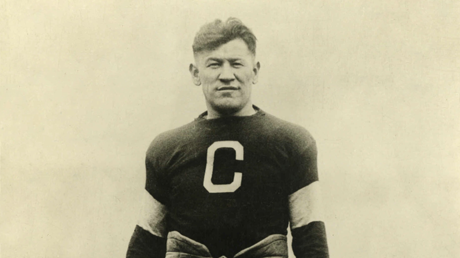 an overview of the achievements by jim thorpe native american olympic sportist