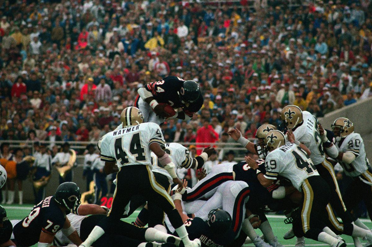 Walter Payton Leaps Over Players to Score Touchdown