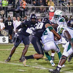 UCF defeats S. Florida, 34-7