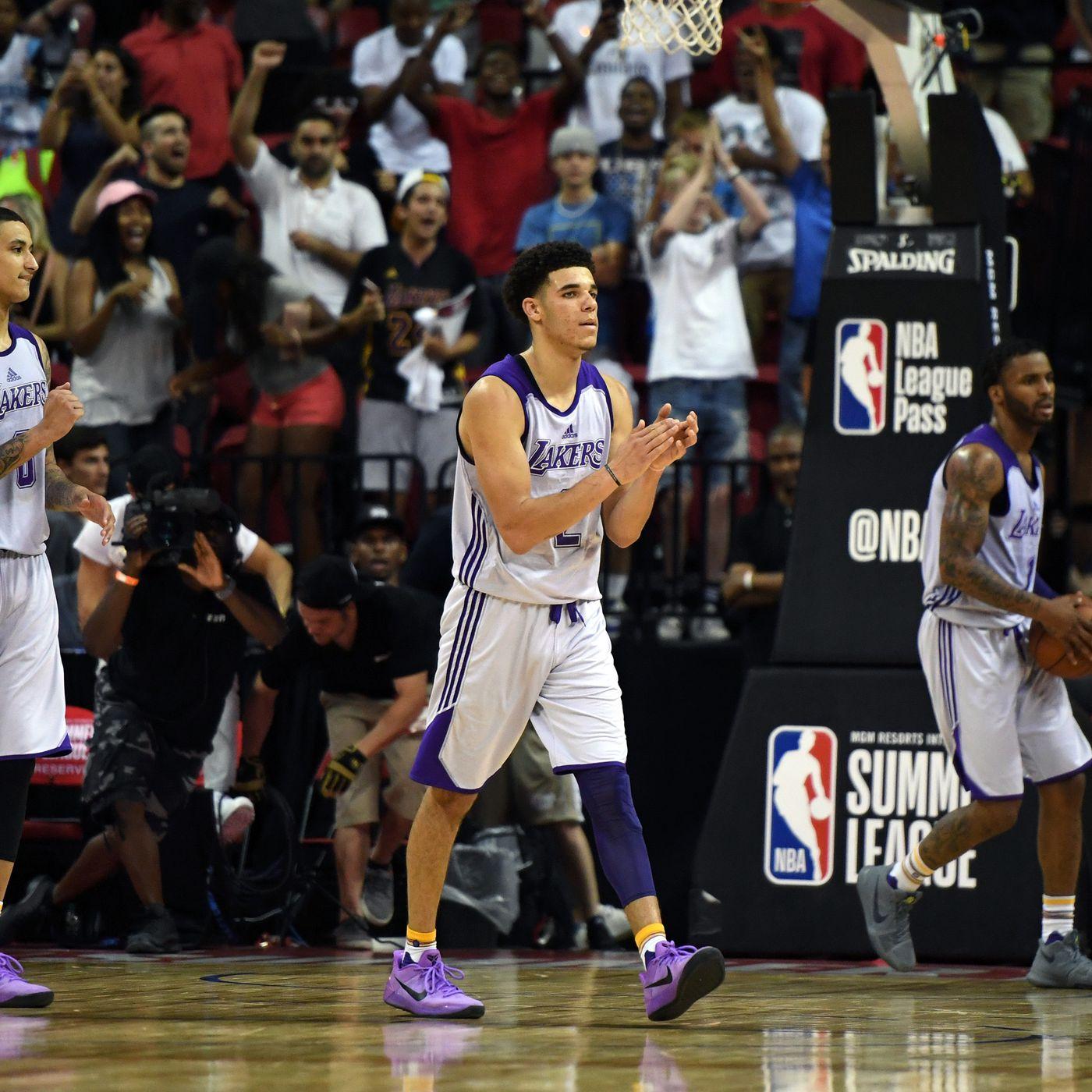 buy online f32b8 43b5c Lonzo Ball on why he wore Kobe Bryant's signature shoes ...