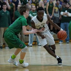 St. Patrick's Austin Freeman (24) drives right to the rim against Notre Dame, Friday 02-08-19. Worsom Robinson/For the Sun-Times.